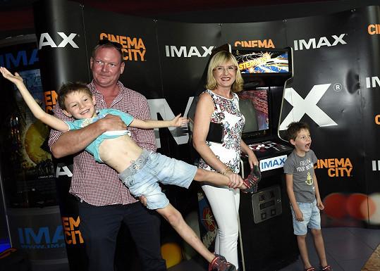 Štěpánka vyrazila s rodinou do kina.