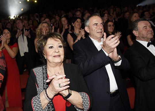 V publiku vestoje tleskala i Jiřina Bohdalová.