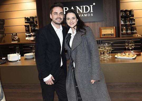 S manželem Zdeňkem Rohlíčkem je šťastná jako blecha.