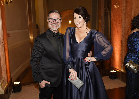 O její outfit se postal stylista Martin Gruntorád.