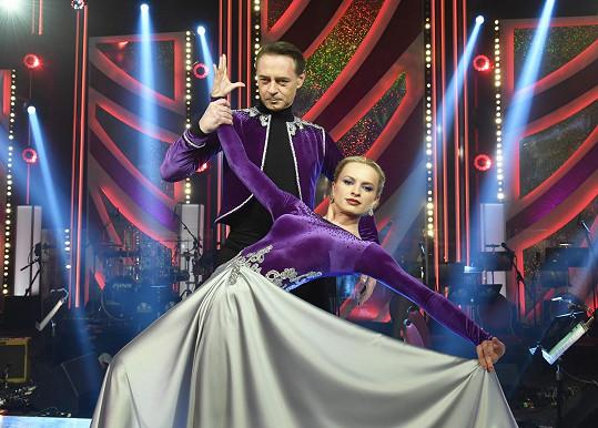 Tréninky s Lenkou Norou Návorkovou dávají Jiřímu pořádně zabrat.