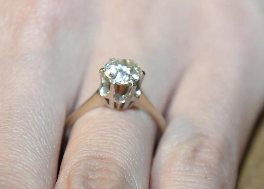 Velký diamant je rodinným šperkem hraběcího rodu.