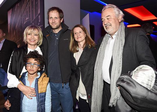 Jana Švandová s manželem, vnukem, synem Hubertem a jeho ženou