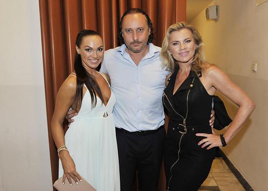Marian s kolegyněmi Kamilou Nývltovou a Leonou Machálkovou