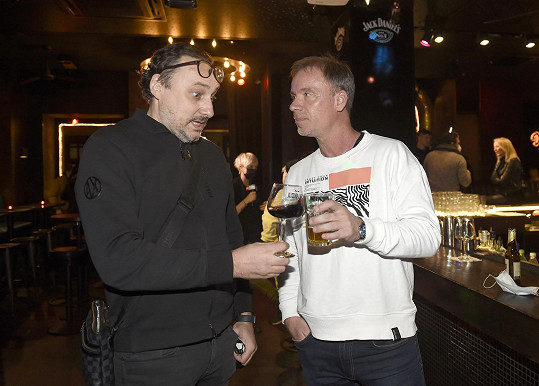 Marian se v baru potkal s kamarádem Zdeňkem Hrubým.