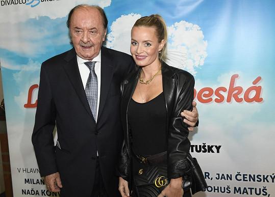 František Janeček vyrazil na premiéru muzikálu Láska nebeská.