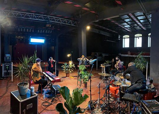 Klára Vytisková natáčela live session pro své fanoušky.