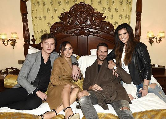 Setkali jsme se na focení modelky Vindy Krejčí, kde se její partner staral o styling a Tomášova partnerka o make-up a účes.