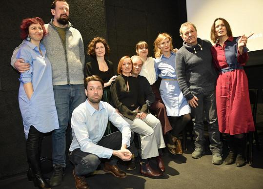 S kolegy natočili nový seriál Zkáza Dejvického divadla.