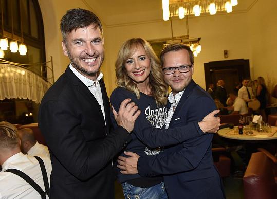 S kamarády Lumírem Olšovským a jeho partnerem v restauraci