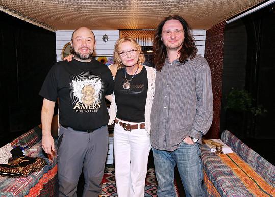 Vilma Cibulková s kolegou Luborem Šplíchalem (vlevo) a partnerem Pavlem J. Rybou