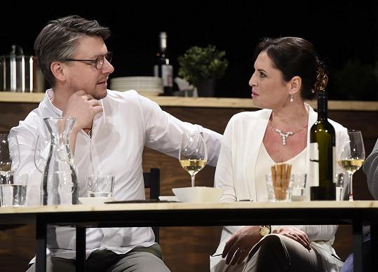 Kolegu jí v představení Naprostí cizinci hraje Ondřej Kavan.