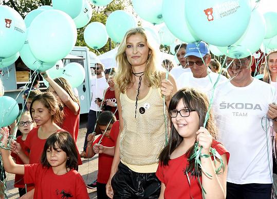 Tereza Maxová představila na tiskové konferenci k akci Teribear deset dětských příběhů, kterým má charitativní běh pomoct.