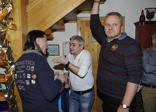 Michal Suchánek se zatím bavil s producenty Oldřichem Lichtenbergem a Egonem Kulhánkem.