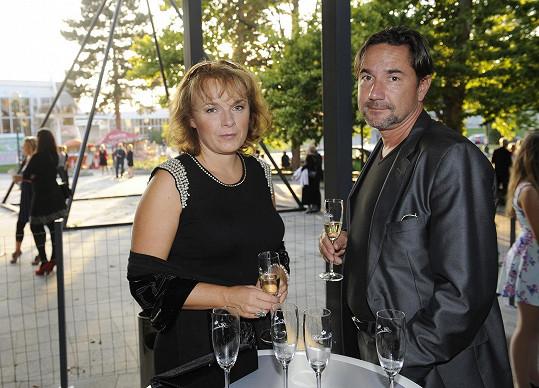 Vzala si dlouholetého partnera Martina Trnavského.