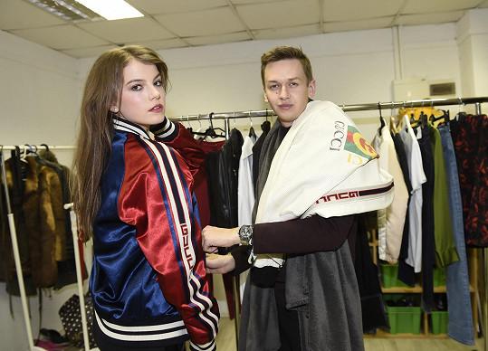 O styling se postaral návrhář Michal Kováčik, který obléká i Anetu Vignerovou.