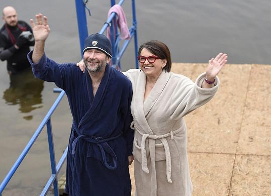 Zuzana i s režisérem Bohdanem Slámou se ale svlékli do županů.
