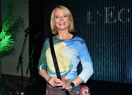 Kristina Kloubková v Televizních novinách zůstává.