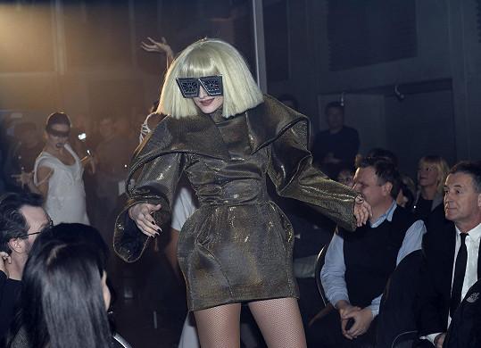 Jako Lady Gaga byla k nepoznání.