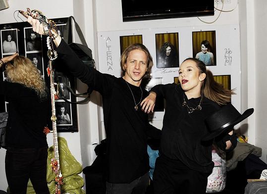 Tomáš Klus s manželkou Tamarou na dobročinném bazaru Emmy Smetana