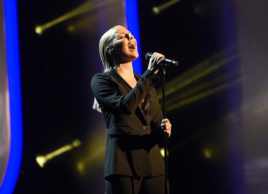 Zazpívala v dalším, už malinko odvážnějším.