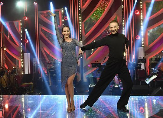 Veronika při tanci s Michalem Necpálem