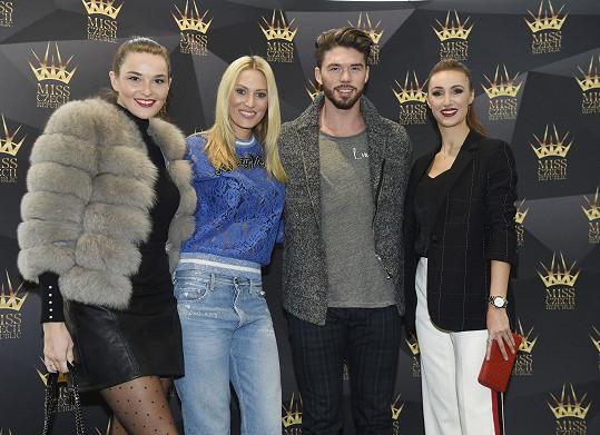 Kateřina na castingu Miss Czech Republic s Nikol Švantnerovou, ředitelkou soutěže Taťánou Makarenko a Mužem roku Matyášem Hložkem