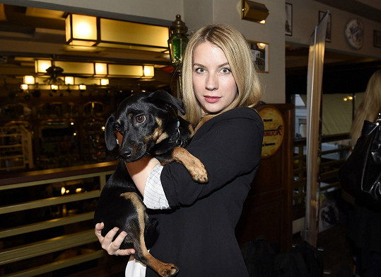 Anna nafotila - z pozice fotografky - kalendář pro psí útulky.