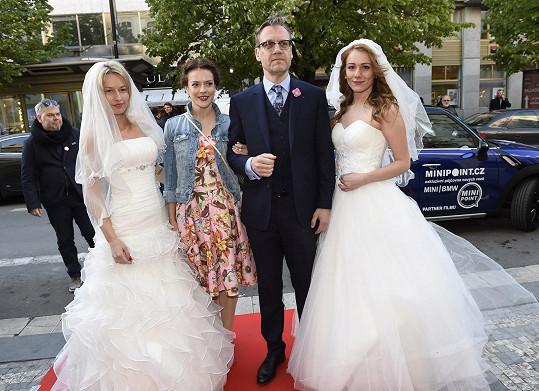 Na premiéře filmu Jak se zbavit nevěsty s Davidem Matáskem
