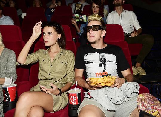 V kině těsně před projekcí