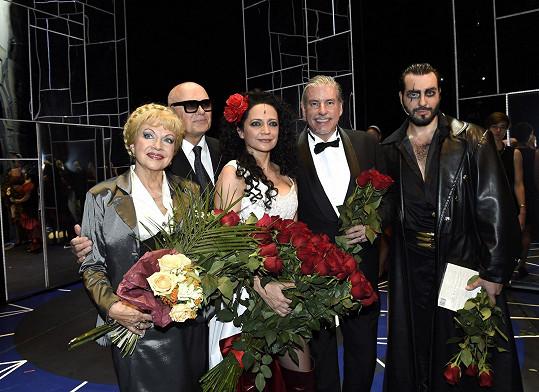 S kolegy Jiřím Kornem, exmanželem Vaškem Noidem Bártou a Pavlou Břínkovou