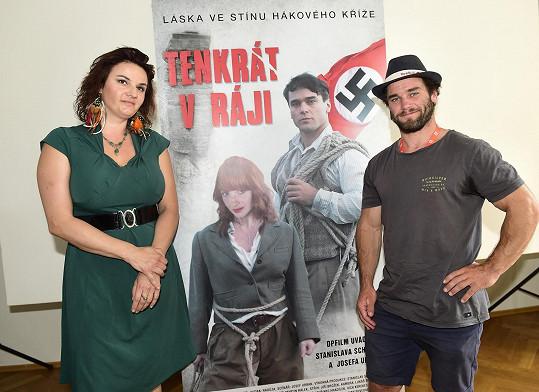 S Vavřincem Hradilkem u filmového plakátu.