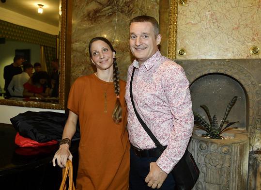 Vladimír Hron vyrazil po delší době do společnosti s manželkou Michaelou.