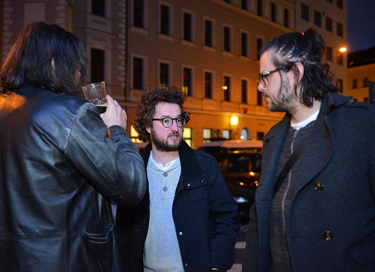 Jiří (uprostřed) s režisérem Andym Fehu (vpravo) a producentem Filipem Čermákem