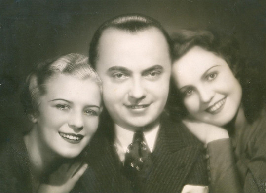 S Blankou Waleskou a režisérem Václavem Kubáskem při natáčení filmu Pozdní láska (1935)