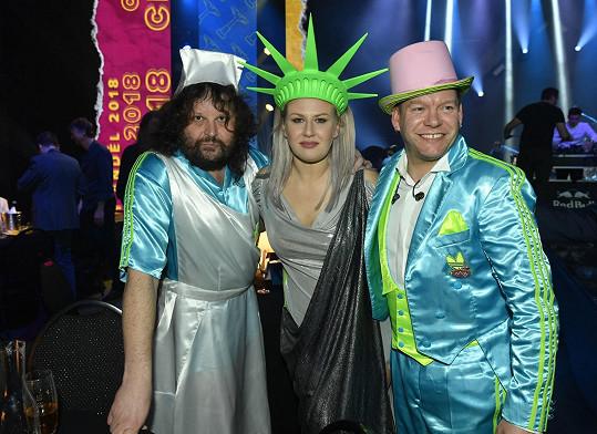 Ani Monkey Business nezklamali. Zleva Roman Holý, Tereza Černochová a Matěj Ruppert.