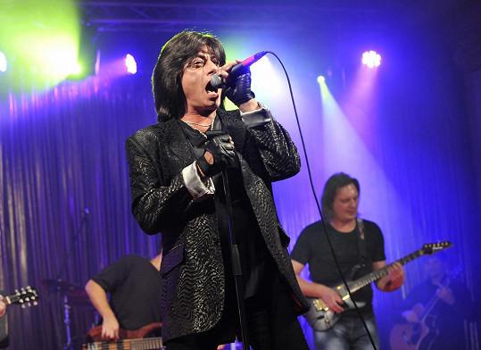 ...ale Joe Lynn Turner, bývalý zpěvák Deep Purple, byl hvězdou večera.