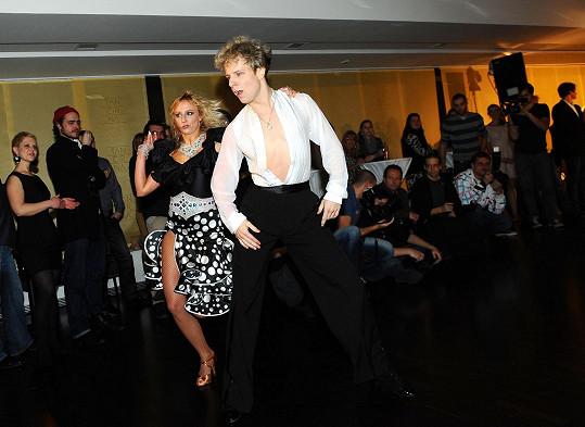 Jan Onder s přítelkyní na otevíračce Tančírny Petra Čadka.