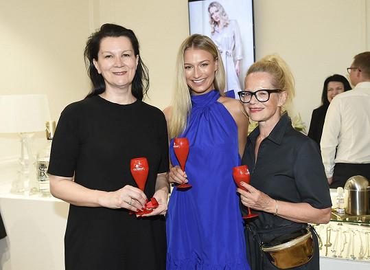 S Kateřinou Kasanovou, která je její aktuální tváří, a Jitkou Asterovou (vpravo)