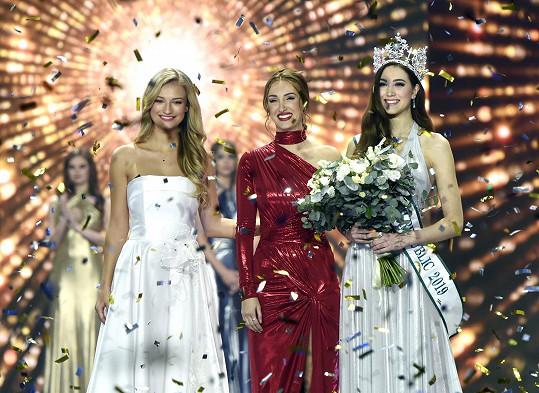 Taťána Makarenko s loňskou vítězku Kateřinou Kasanovou a současnou Denisou Spergerovou