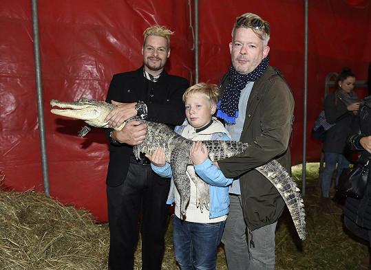 Krokodýla, se kterým se dalo fotit, se nebáli.