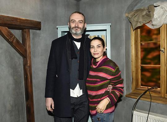 Autorem seriálu je i její manžel René.