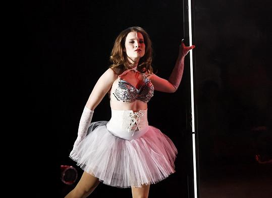 Michaela Gemrotová předvádí své tělo i jako Christine ve Fantomovi opery.