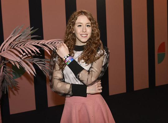 Naty se chce více prezentovat jako zpěvačka a nikoli jako blogerka.