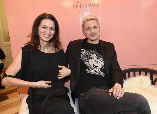 Adéla Gondíková a Ondřej Ruml na večírku