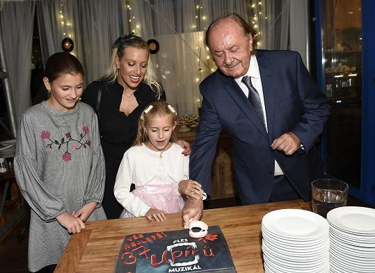Hudební boss oslavil 73. narozeniny.