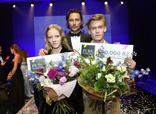 Tereza s ředitelem soutěže Pure Model Romanem Holárkem a mužským vítězem Pure Model Janem Hamalem.