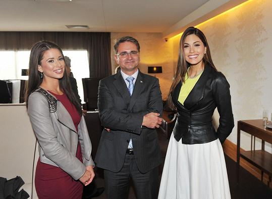Missky přivítalo hned na VIP terminálu vedení společnosti pořádající společnosti.