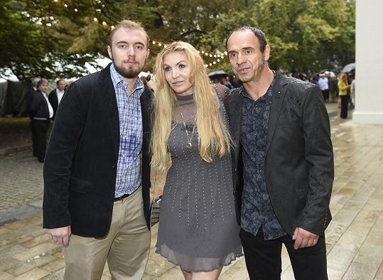 Jim, syn Miloše Formana a Martiny Formanové (na snímku), s nevlastním bratrem Petrem Formanem.