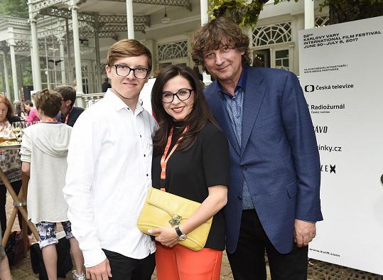 Dana přijela do Varů s manželem a synem.